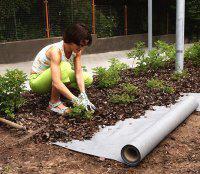 Применение геотекстиля в садоводстве: от сорняков, для дренажа, прудов