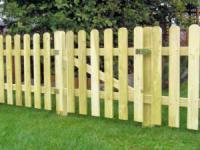 Забор из деревянного штакетника своими руками